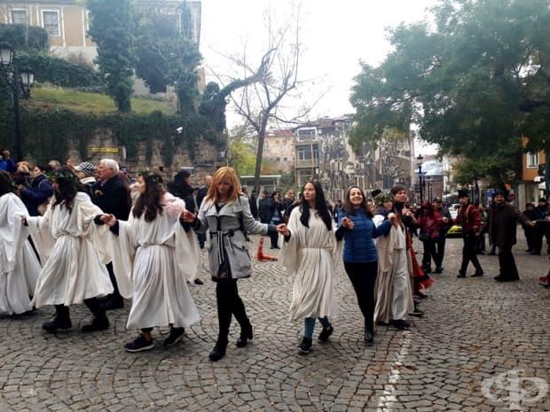 Екипът на Фрамар на хорото.