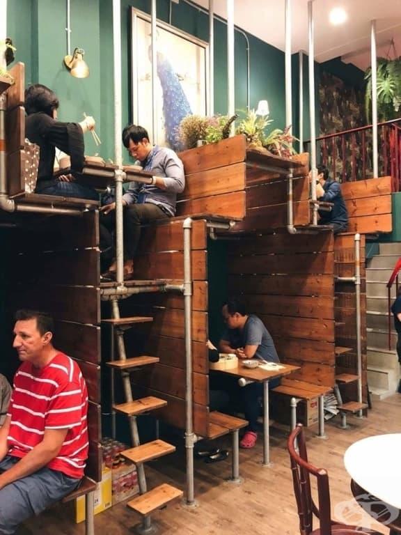 Творческо пространство за създаване на дизайн за ресторант.