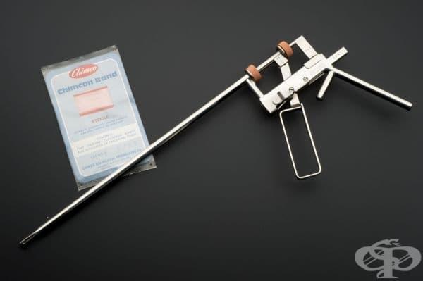 Хирургически инструмент за извършване на гинекологични манипулации от 1979 година