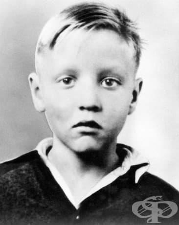 5-годишният Елвис Пресли, 1940.