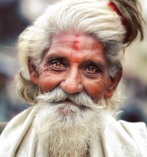 Усмивката на Садху не лъже. Няма проблеми, които могат да ви карат да се чувствате тъжни.