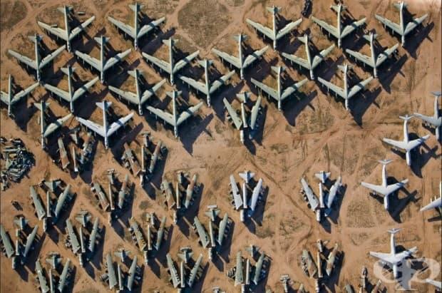 Гробище за изведени от експлоатация В1 бомбардировачи в Аризона