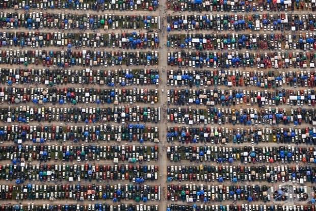 Паркингът на пистата