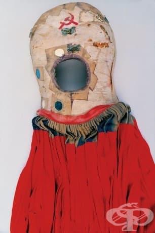 Фотографии от гардероба на Фрида Кало, изложен след почти 50 години