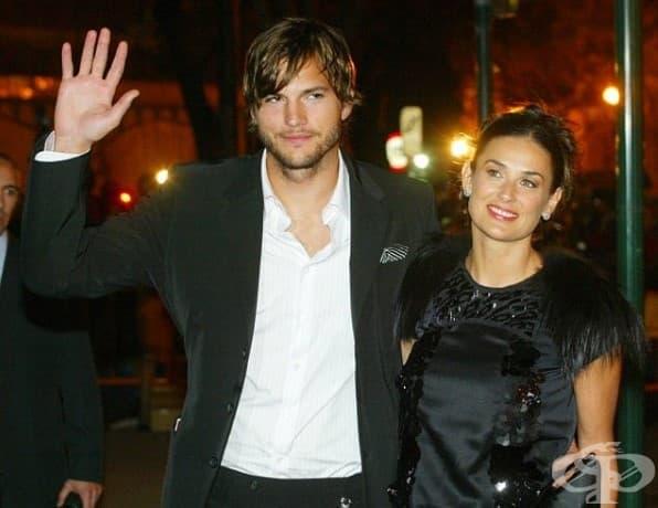 Деми Мур и Аштън Къчър. Любимата звездна двойка Деми и Аштън се е омъжиха през 2005 г. и се разделиха през 2011 г.