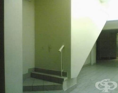 Едно от стълбищата в двореца Хогуъртс, нали?