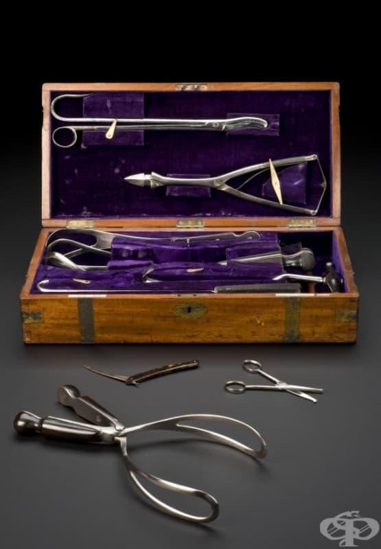 Комплект от 19 век с гинекологични инструменти