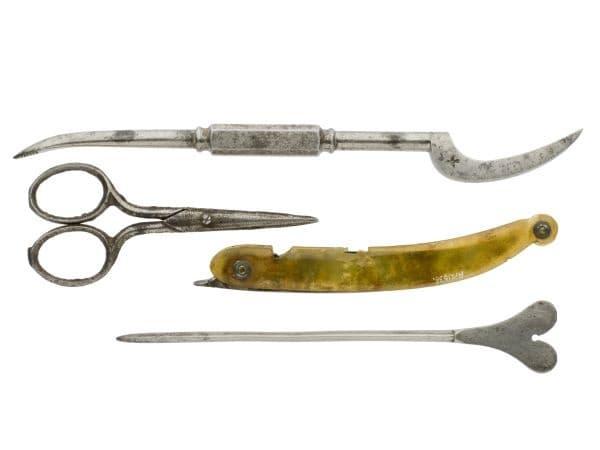 Комплект с хирургически инструменти от 1801 година