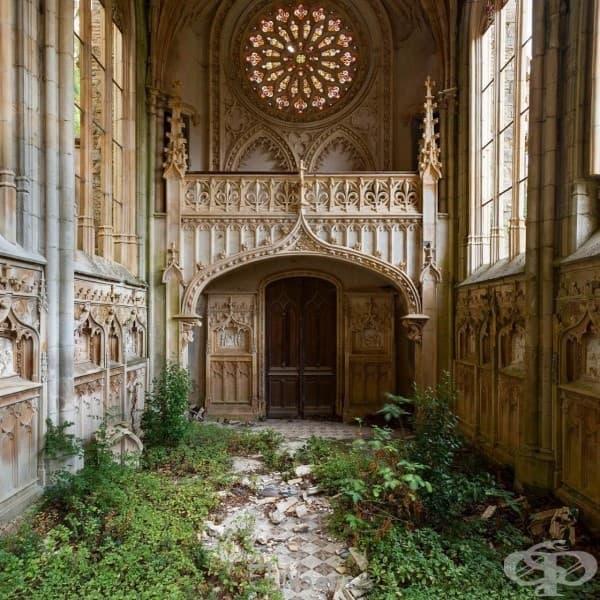 Самотна изоставена църква, Франция