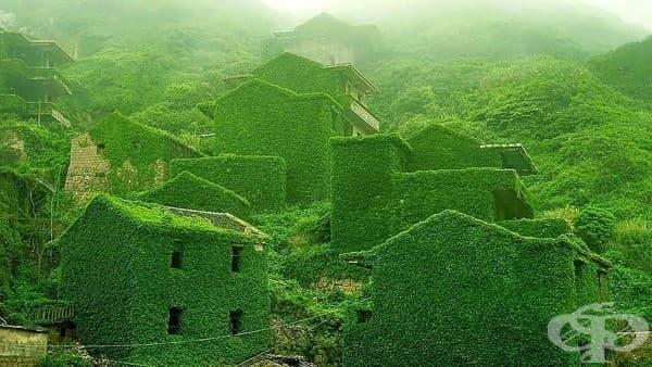 Изоставено рибарско селище на река Яндзъ, Китай