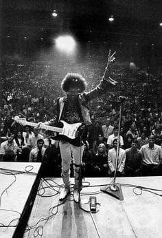 """""""Когато умра, искам хората да слушат моята музика, да подивяват и откачат, и да правят всичко, което искат да правят."""""""