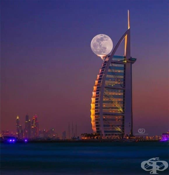 Супер луна над Дубай