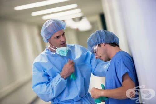 Как се лекуват лекарите? Те не се лекуват...