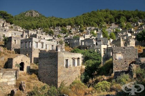 Каракьой е древен обезлюден град в близост до планината Тавър в югозападна Турция и някога е бил дом на над 20 000 гърци.