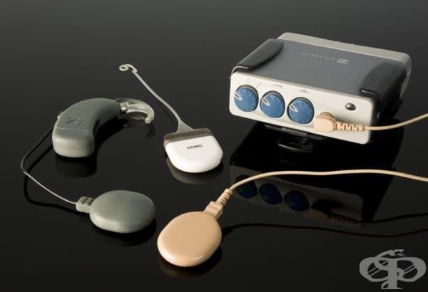 """Апаратът от снимката по-долу е разработен от компания """"Advanced Bionics UK Limited""""."""