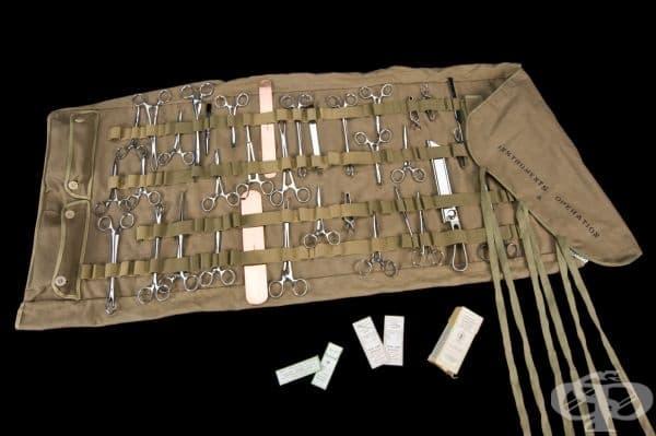 Комплект хирургически инструменти от Втората световна война