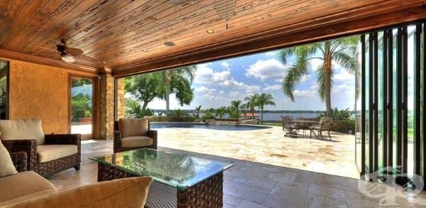 Панорамен прозорец с божествена гледка