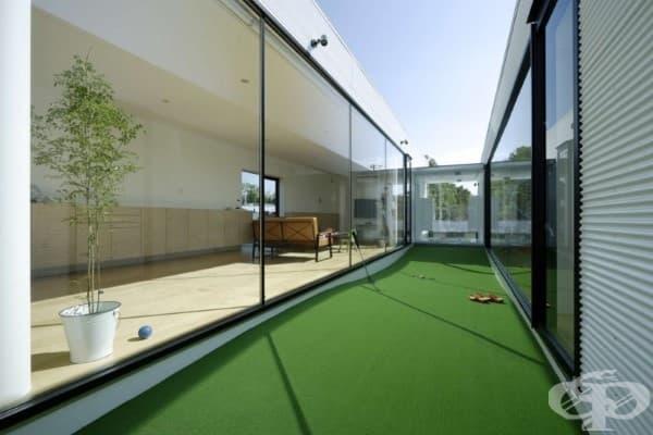 Мини голф игрище между стаите