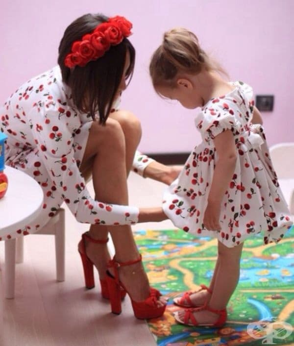 Каквато е майката - такава и дъщерята: 20 снимки, които показват приликата между майките и дъщерите