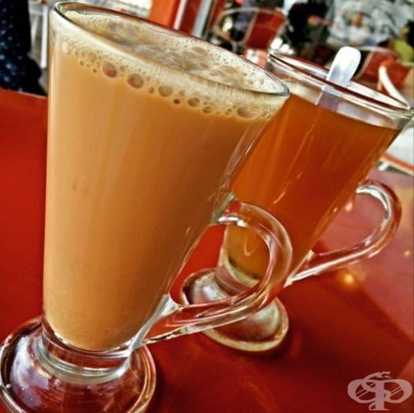Малайзия - В Малайзия консумират черен чай с прясно мляко и захар. Той се разглежда като десерт и се пие добре охладен.