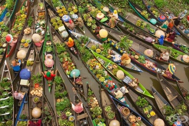 Плаващ пазар, Малайзия (3-то място в категория: пътуване)