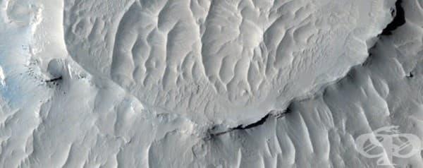 Слоеве на марсианските хълмове, разположени в регион, наречен Западна Арабия.