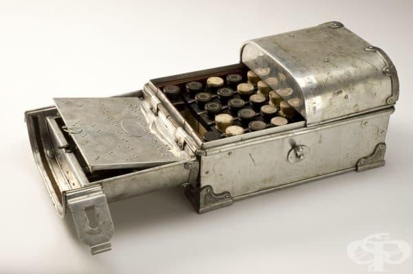 Медицинско сандъче от 1900г.