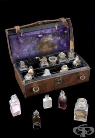 Медицинско сандъче от 19-ти век  - изображение