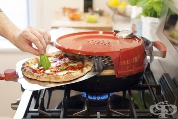 Миниатюрна печка за пица.