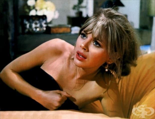 1974 – Брит Екланд като Мери Гуднайт