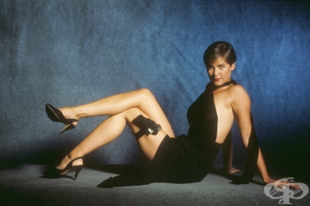 1989 – Кари Лоуъл като Пам Бувоа