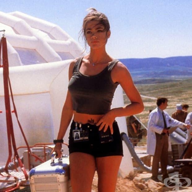 1999 – Денис Ричардс като Кристмас Джоунс