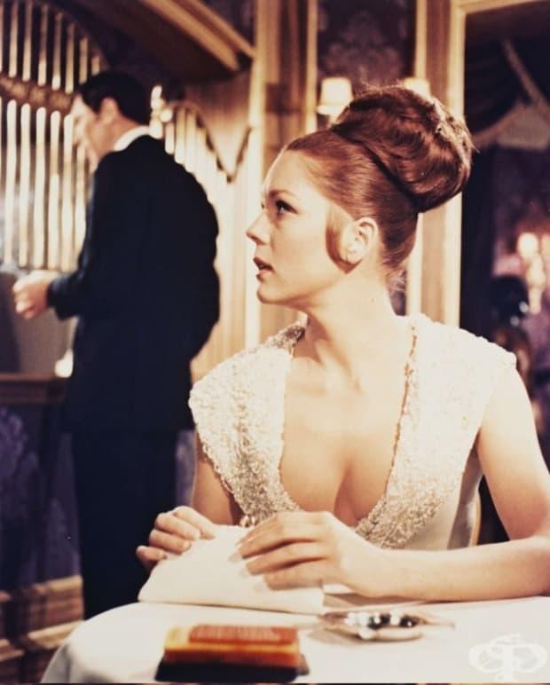 1969 – Диана Риг като Тереза ди Винченцо