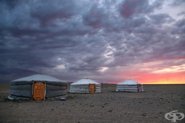 Изгрев в пустинята Гоби, Монголия