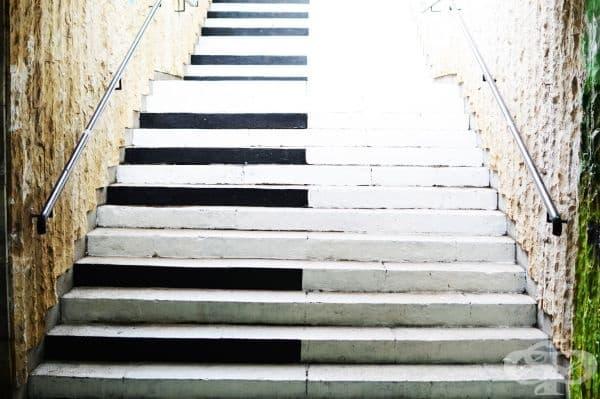 Музикален подлез, стълбище.