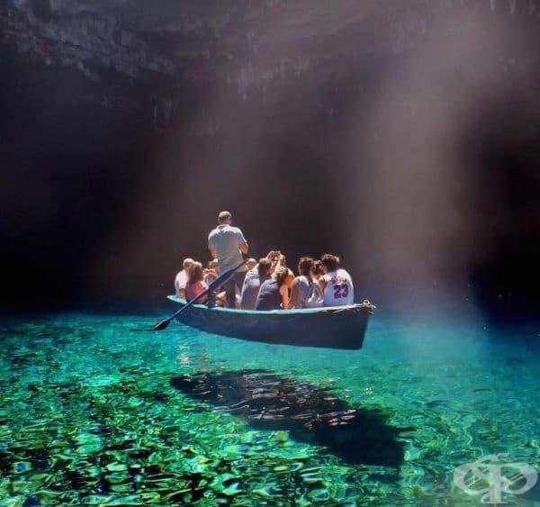 Най-чистата вода в света, езерото Мелисани, Гърция.