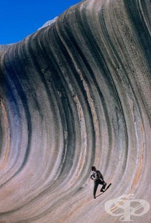 Вълна от скала, оформена от вятър и дъжд в Западна Австралия, септември 1963