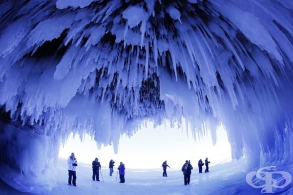 Пещера, покрита с лед, Уинсконсин, САЩ