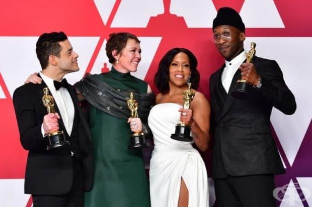 """Махершала Али (крайно дясно) спечели Оскар за най-добър актьор за ролята си в """"Зелената книга"""". Отляво надясно - Рами Малек, Оливия Колман и Реджина Кинг."""