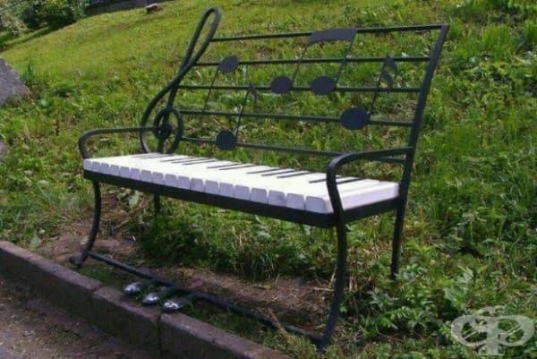 Музикална пейка