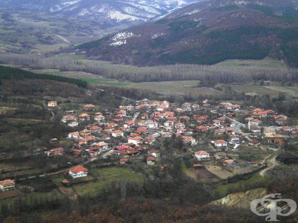 Изглед от върха (с. Горна крепост).