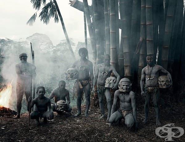 Племето Асаро; Местоположение: Индонезия + Папуа Нова Гвинея
