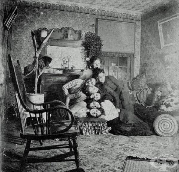 Семейна снимка на викторианско семейство