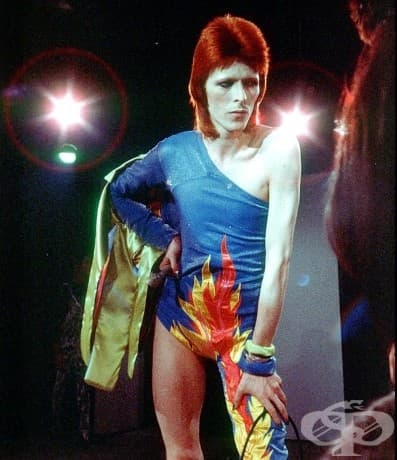 Дейвид Бауи в костюм на Зиги Стърджууд. Лос Анджелис, 1973 г.