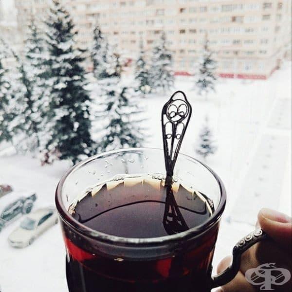 Русия - Черният чай е една от най-популярните напитки. Колкото по-силна е тя, толкова по-добре.