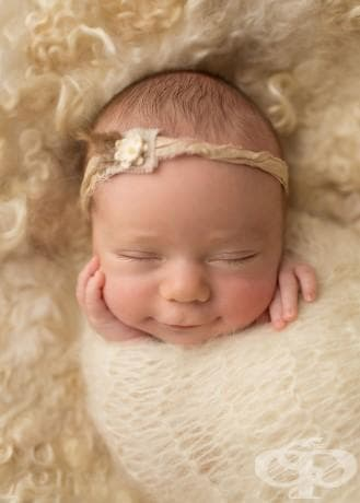Уловени бебешки усмивки