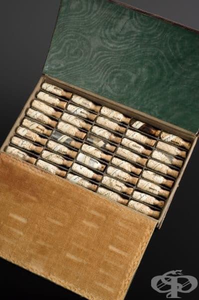 Сандъче с хомеопатични лекарства от 1801 година