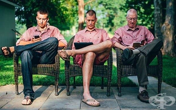 Поколения. Книга, лаптоп и смартфон.
