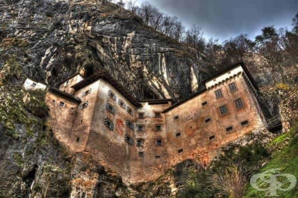 Планинския замък Преджама в Словения