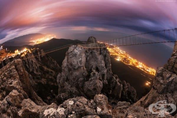 Висящия планински мост Петри в Украйна